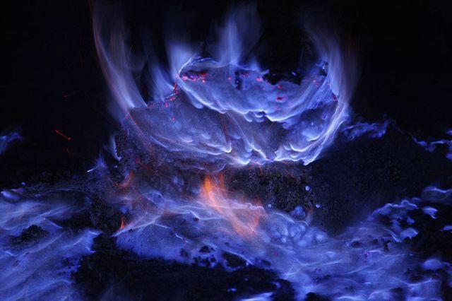 blue-lava4